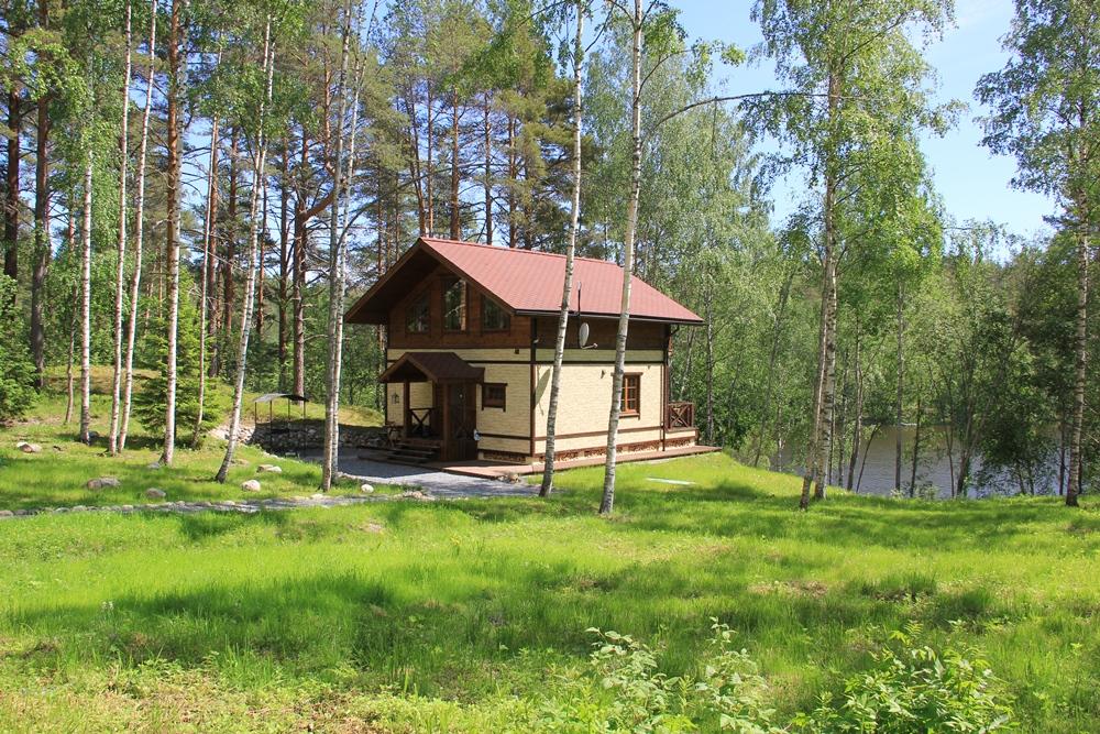 Аренда коттеджей в Карелии на берегу озера